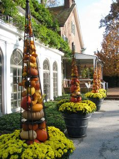 Easy But Inspiring Outdoor Fall Decoration Ideas 66