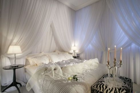 Inexpensive Romantic Bedroom Design Ideas You Will Totally Love 42