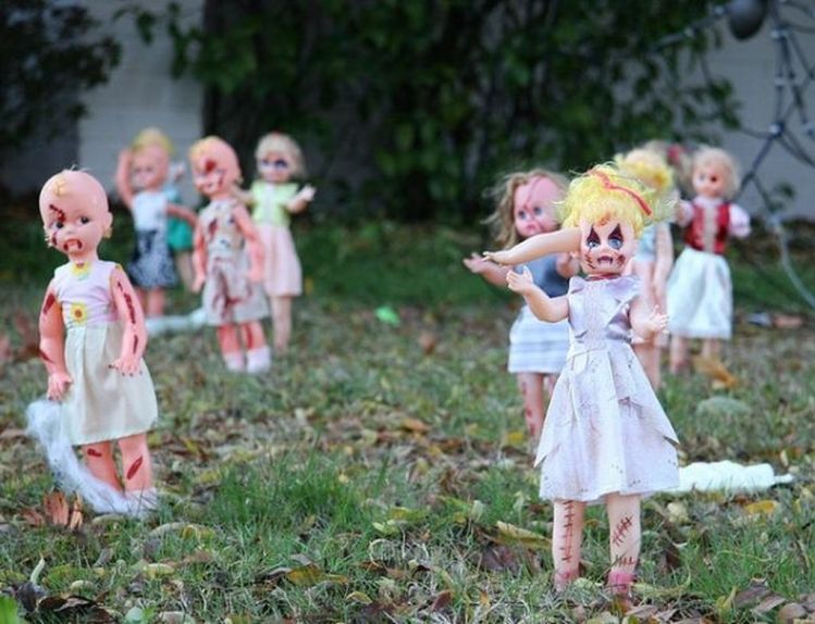 Scary Front Yard Halloween Decoration Ideas 14
