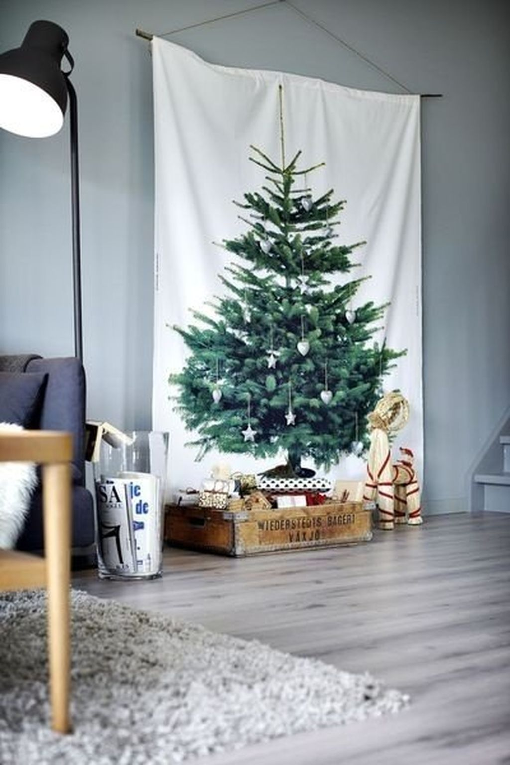 Space Saving Christmas Tree Ideas Suitable For Small Rooms 23