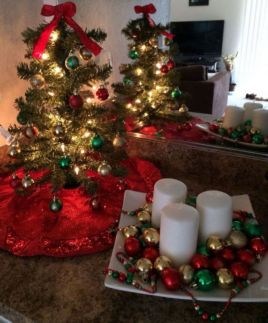 Space Saving Christmas Tree Ideas Suitable For Small Rooms 36