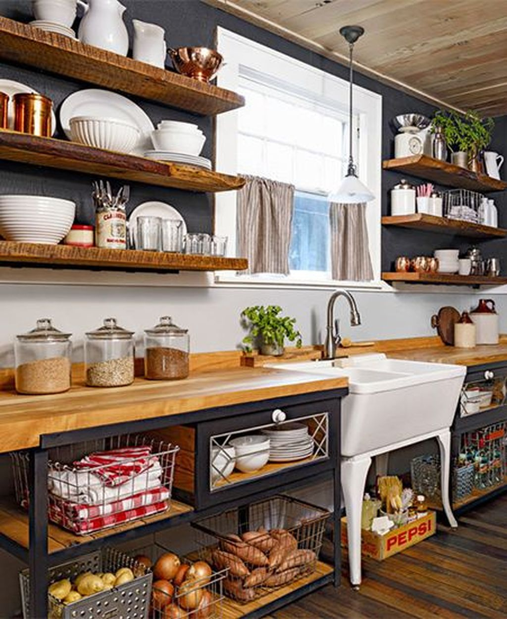 Beautiful Farmhouse Style Rustic Kitchen Cabinet Decoration Ideas 18