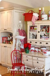 Beautiful Red Themed Kitchen Design Ideas For Christmas 05