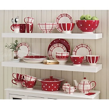 Beautiful Red Themed Kitchen Design Ideas For Christmas 19