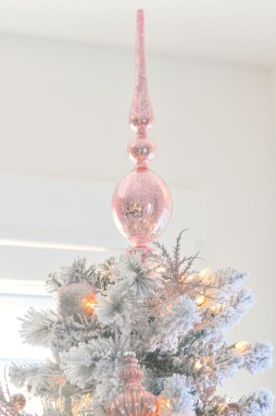 Cute And Adorable Pink Christmas Tree Decoration Ideas 18