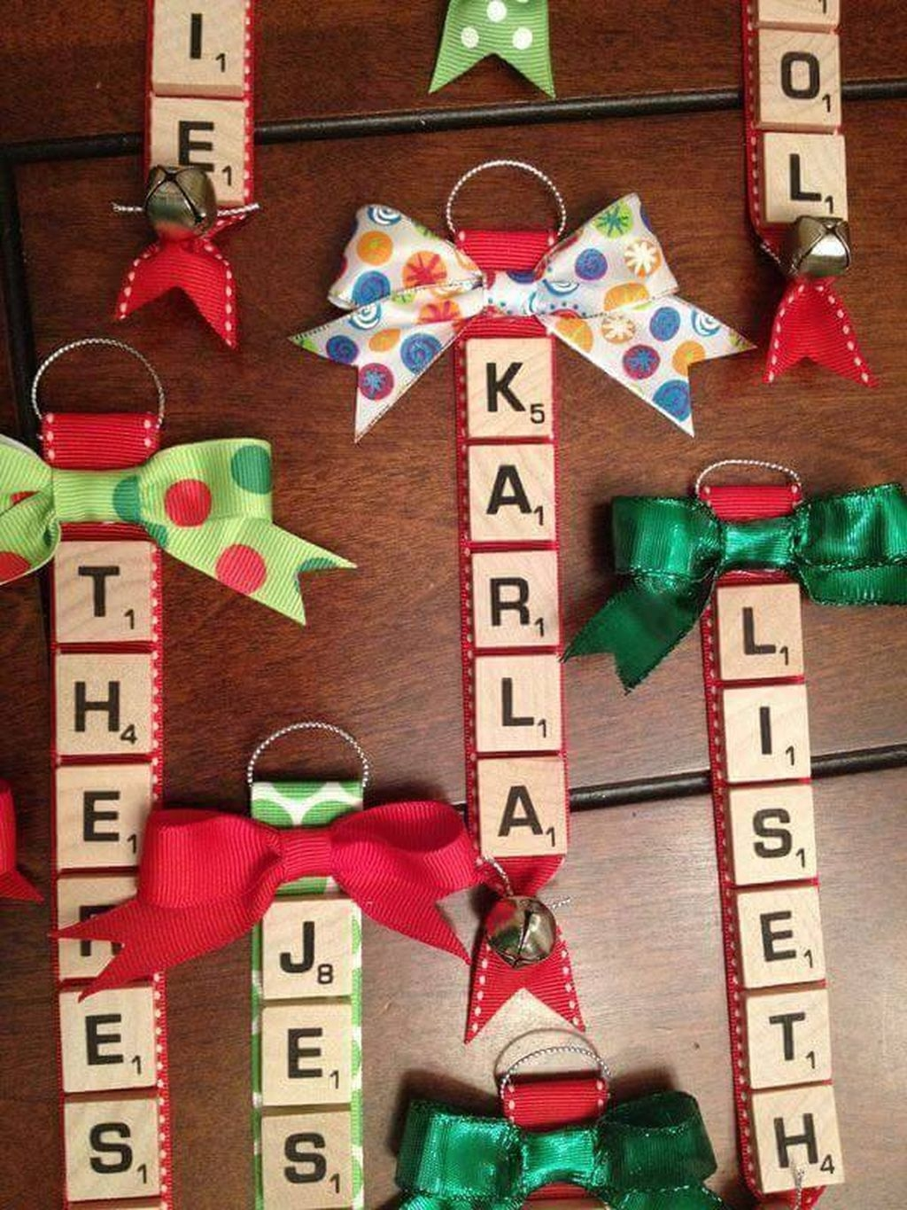 Cute And Creative Homemade Christmas Ornaments Ideas You Should Try 35