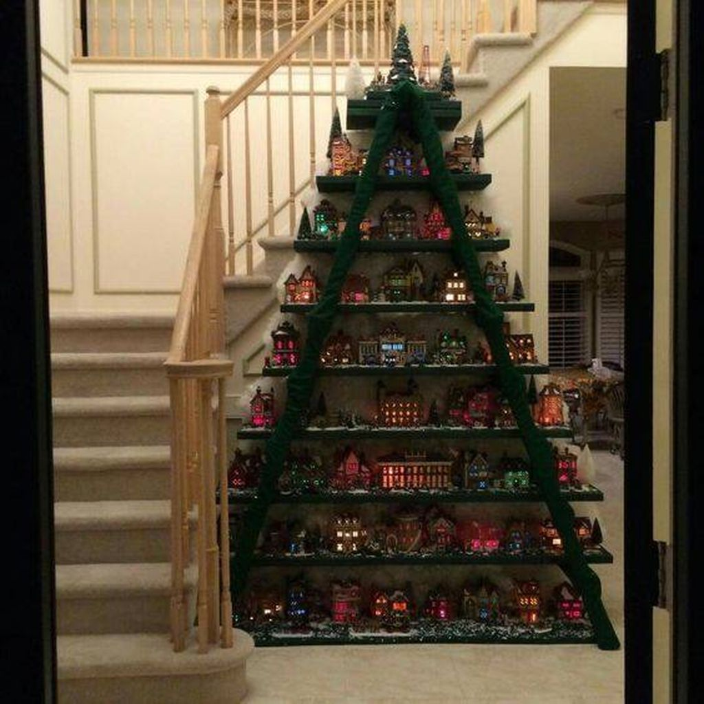 Easy And Creative DIY Christmas Tree Design Ideas You Can Try As Alternatives 05