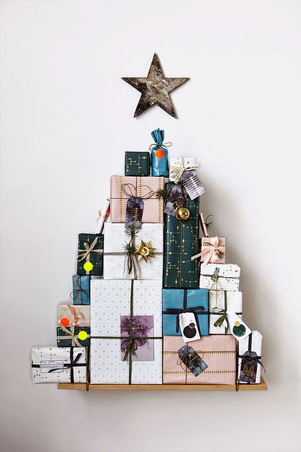Easy And Creative DIY Christmas Tree Design Ideas You Can Try As Alternatives 08