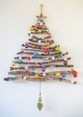 Easy And Creative DIY Christmas Tree Design Ideas You Can Try As Alternatives 30