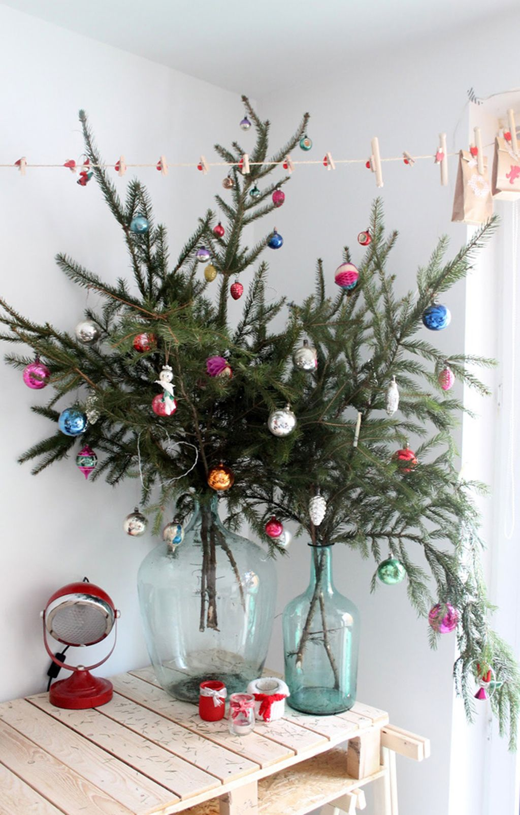 Easy And Creative DIY Christmas Tree Design Ideas You Can Try As Alternatives 63