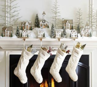 Elegant White Vintage Christmas Decoration Ideas 11