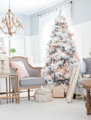 Elegant White Vintage Christmas Decoration Ideas 39