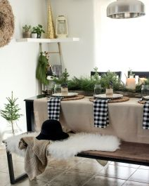 Elegant White Vintage Christmas Decoration Ideas 69