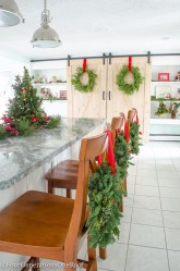Elegant And Beautiful Tabletop Christmas Tree Centerpieces Ideas 13