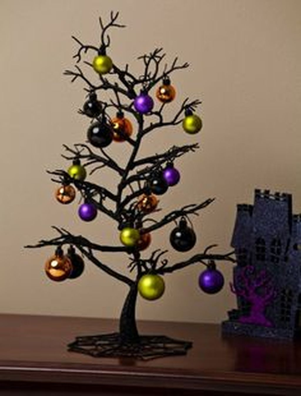 Elegant And Beautiful Tabletop Christmas Tree Centerpieces Ideas 35