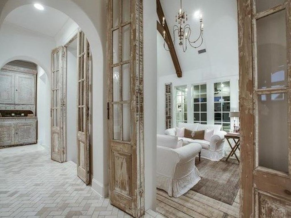 Incredible And Stunning French Home Decoration Ideas 05