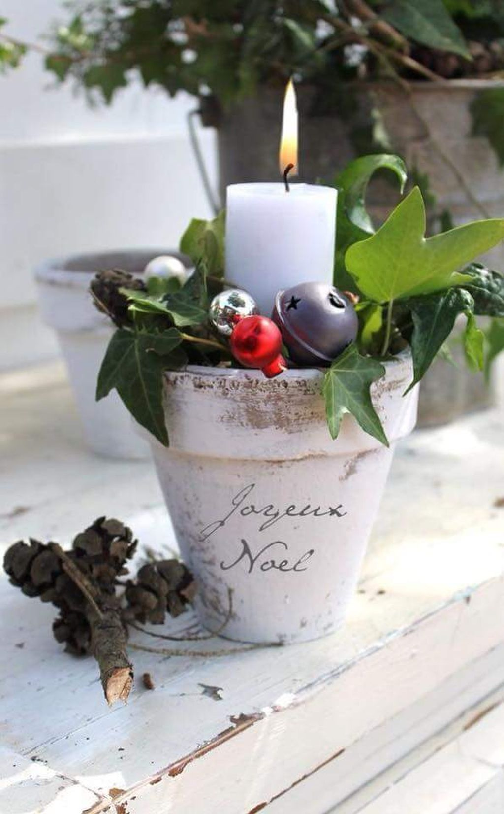 Inspiring Modern Rustic Christmas Centerpieces Ideas With Candles 06