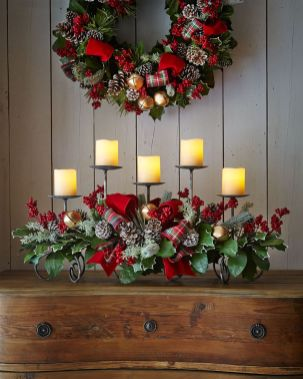 Inspiring Modern Rustic Christmas Centerpieces Ideas With Candles 17