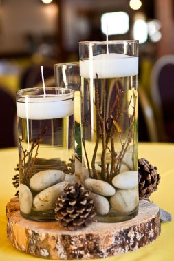 Inspiring Modern Rustic Christmas Centerpieces Ideas With Candles 18
