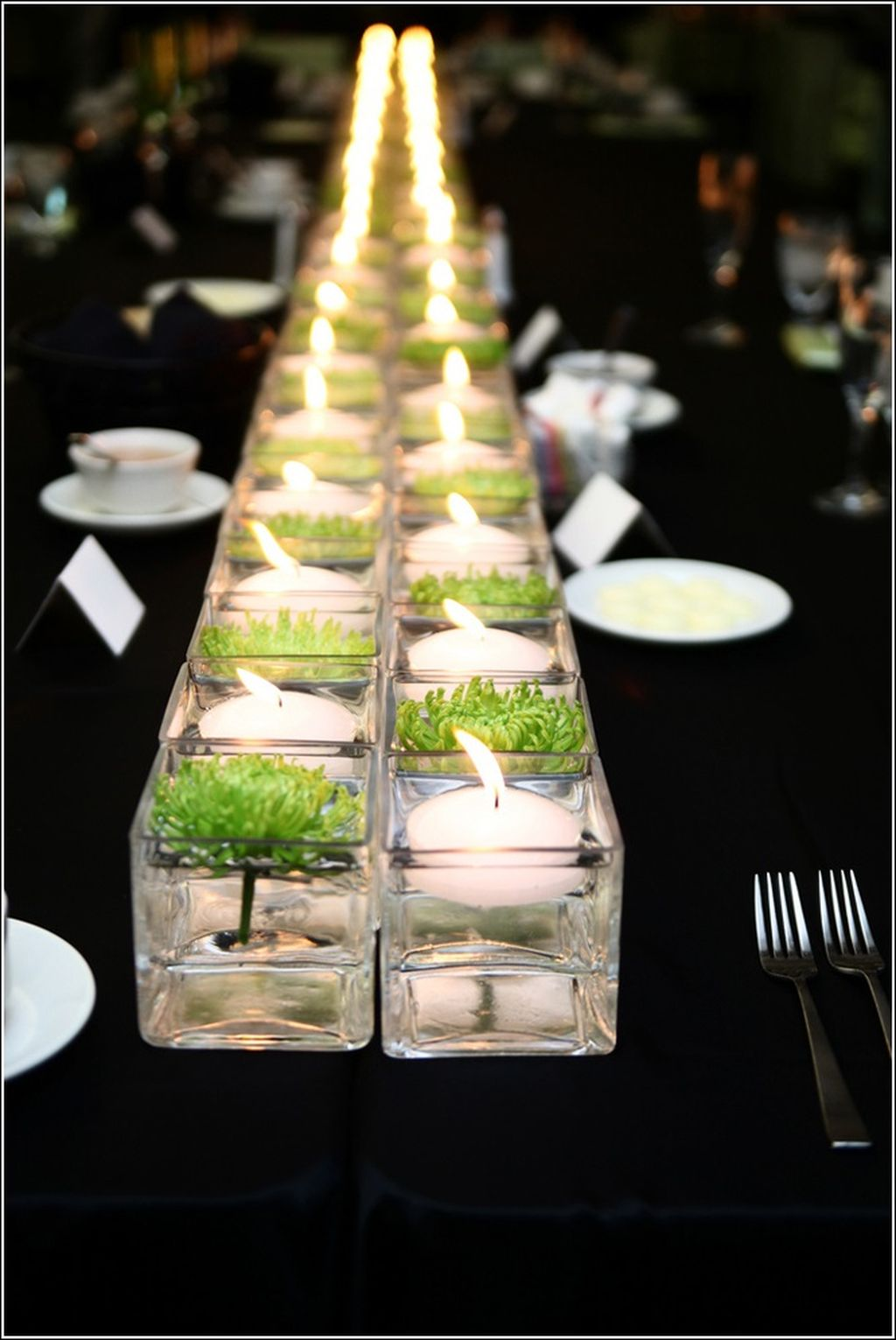 Inspiring Modern Rustic Christmas Centerpieces Ideas With Candles 66