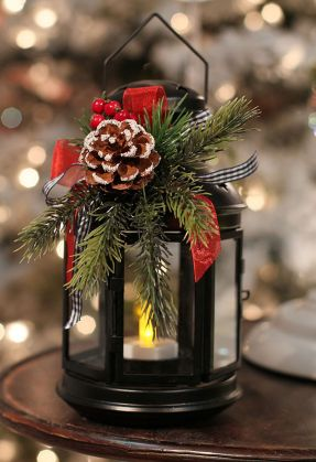Inspiring Modern Rustic Christmas Centerpieces Ideas With Candles 81
