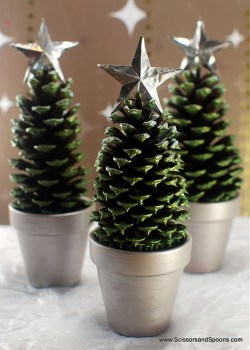 Inspiring Pine Cones Christmas Decoration Ideas 04