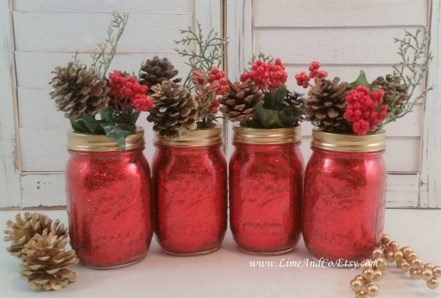 Inspiring Pine Cones Christmas Decoration Ideas 36