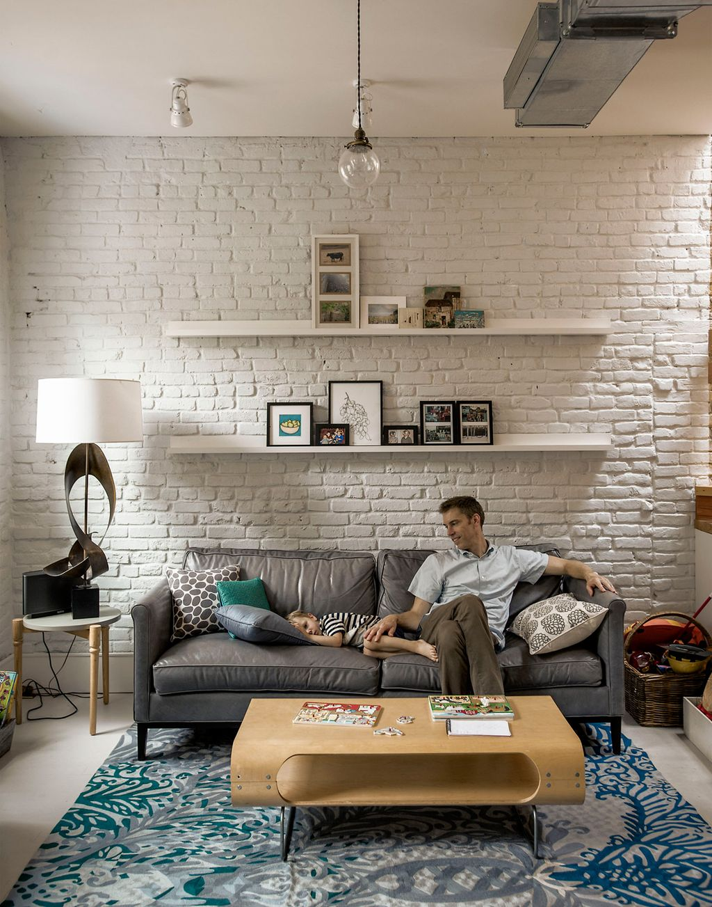 Inspiring And Affordable Decoration Ideas For Small Apartment 04