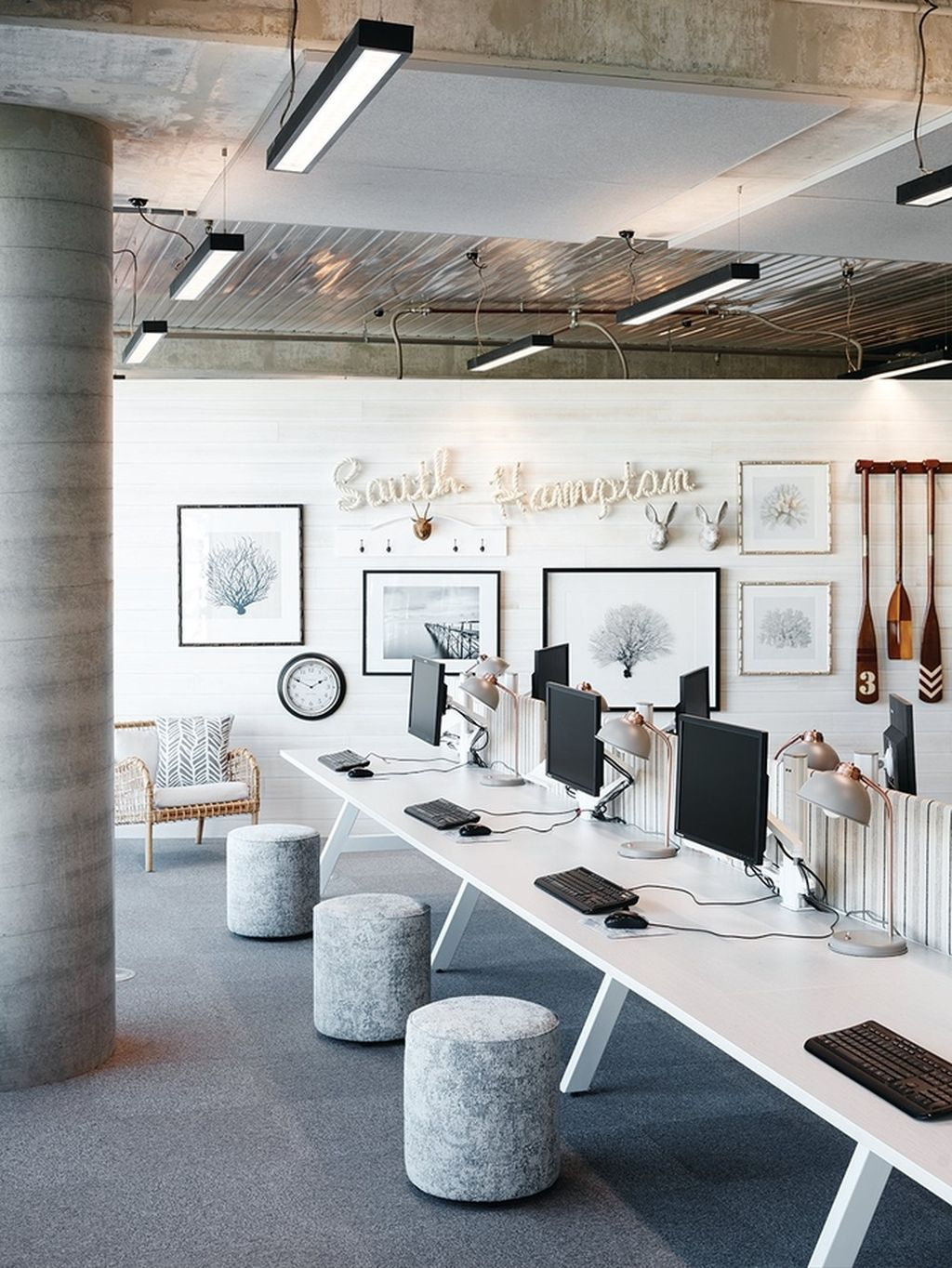 Modern And Cozy Office Interior Design Ideas To Makes You Feel Comfortable 17