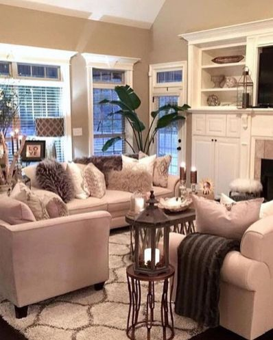 Modern And Elegant Living Room Design Ideas For Small Space 24
