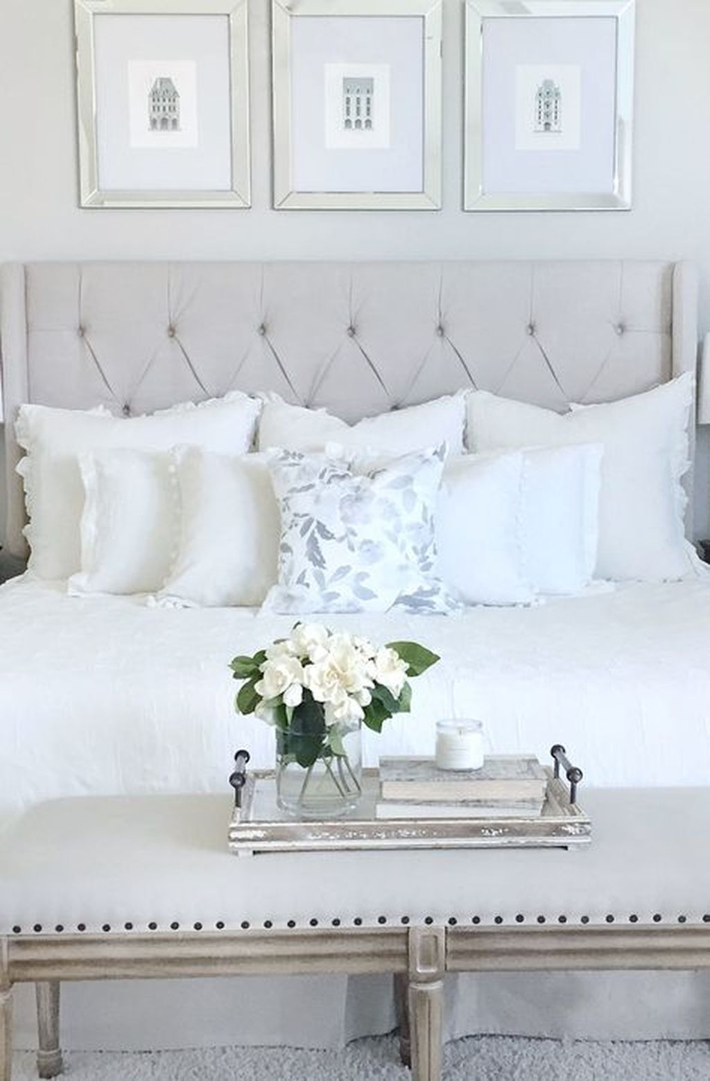Modern And Elegant White Master Bedroom Decoration Ideas 70