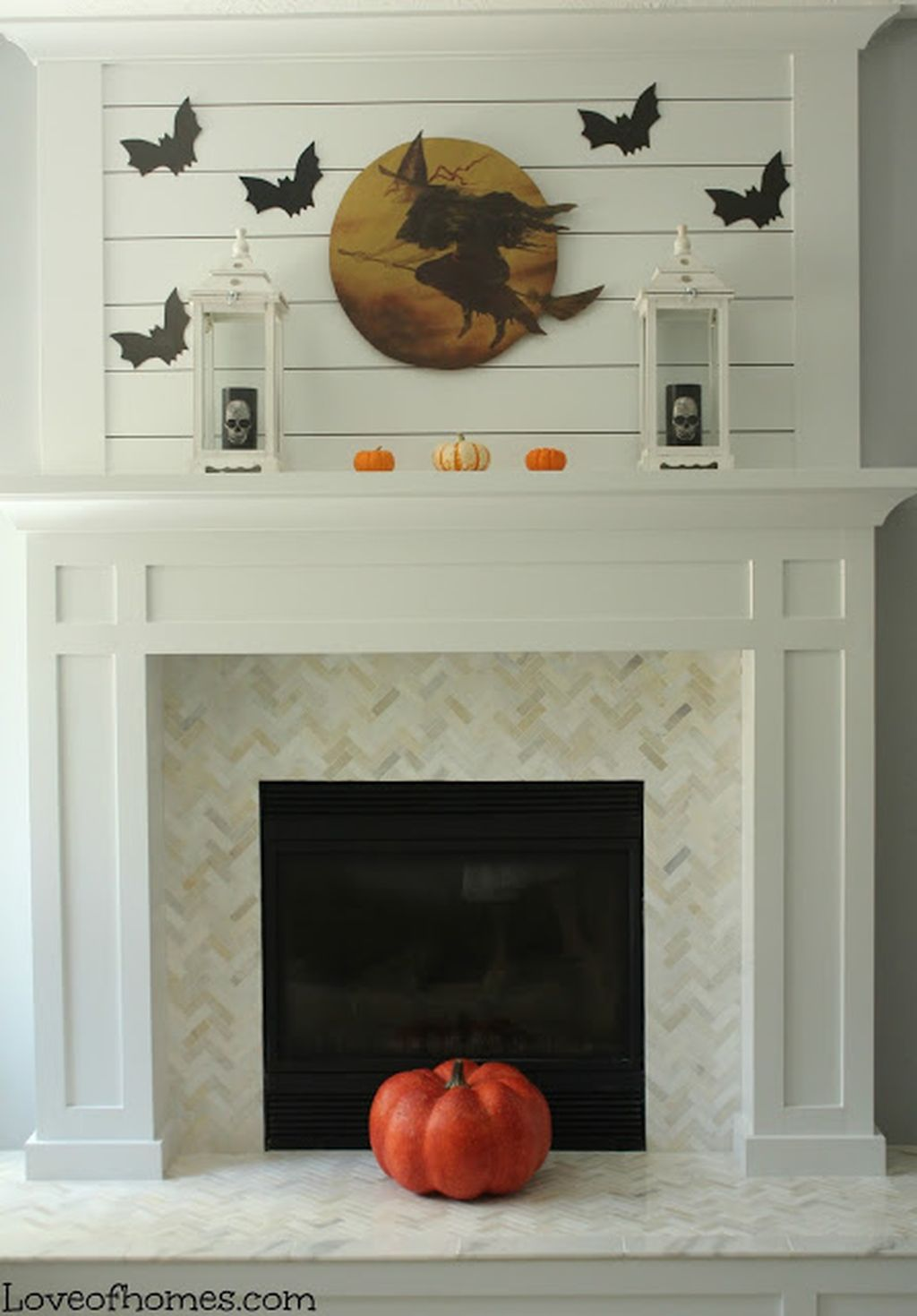 Scary But Classy Halloween Fireplace Decoration Ideas 20