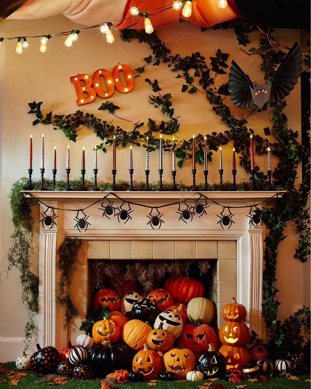Scary But Classy Halloween Fireplace Decoration Ideas 92