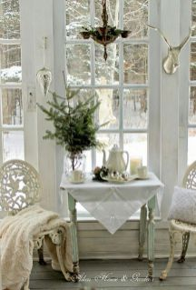 Stunning White Vintage Christmas Decoration Ideas 22