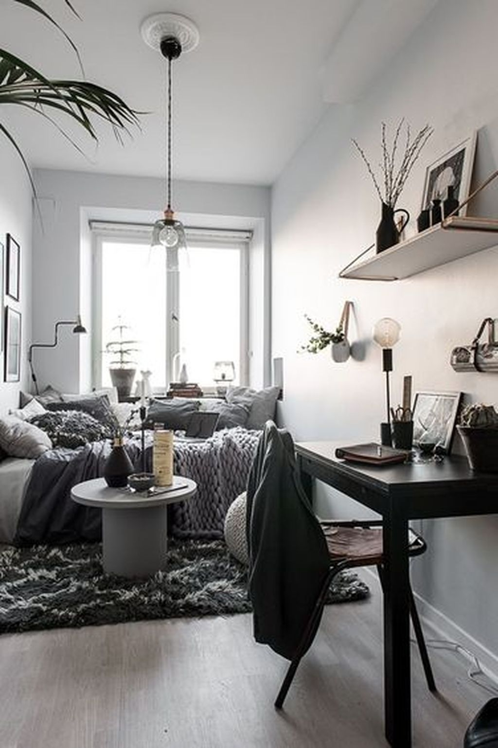 Totally Brilliant Bedroom Design Ideas For Small Apartment 40