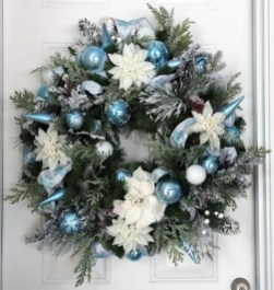 Amazing Silver And Blue Christmas Decoration Ideas For Christmas And New Year13