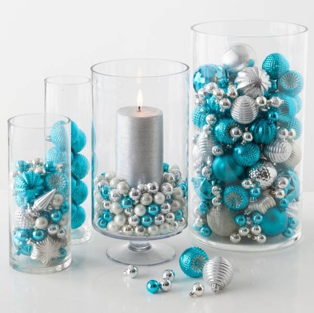 Amazing Silver And Blue Christmas Decoration Ideas For Christmas And New Year33
