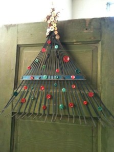 Brilliant And Inspiring Recycled Christmas Tree Decoration Ideas 03