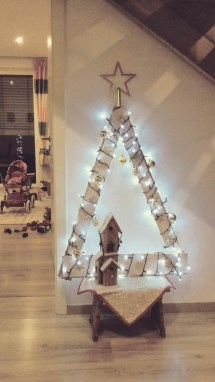 Brilliant And Inspiring Recycled Christmas Tree Decoration Ideas 07