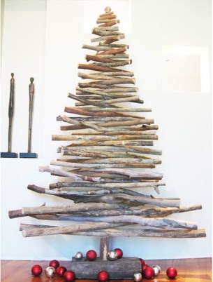 Brilliant And Inspiring Recycled Christmas Tree Decoration Ideas 34