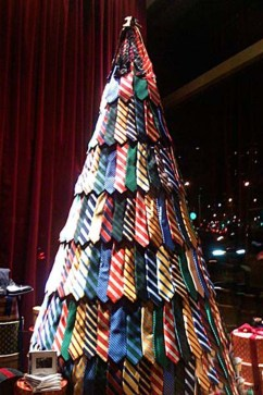 Brilliant And Inspiring Recycled Christmas Tree Decoration Ideas 41