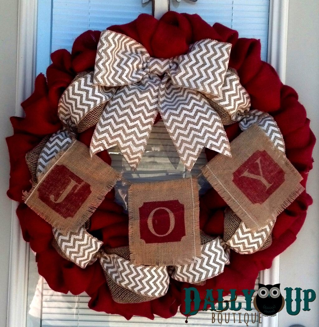 Colorful Christmas Wreaths Decoration Ideas For Your Front Door 08