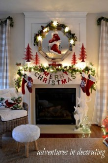 Cozy Fireplace Christmas Decoration Ideas To Makes Your Room Keep Warm32