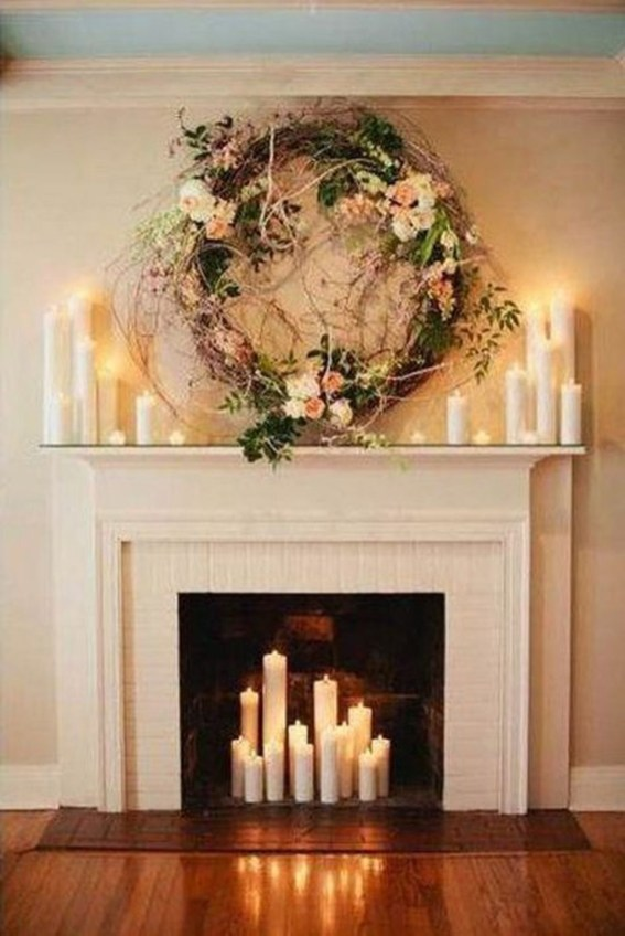 Cozy Fireplace Christmas Decoration Ideas To Makes Your Room Keep Warm46