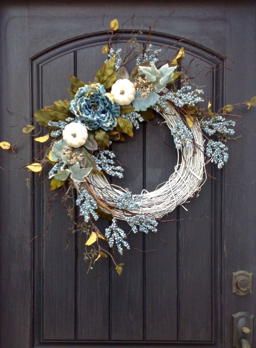 Cozy Thanksgiving Front Door Decor Ideas05