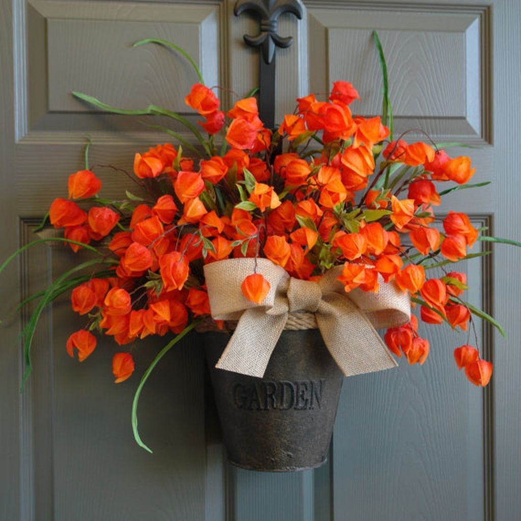 Cozy Thanksgiving Front Door Decor Ideas10