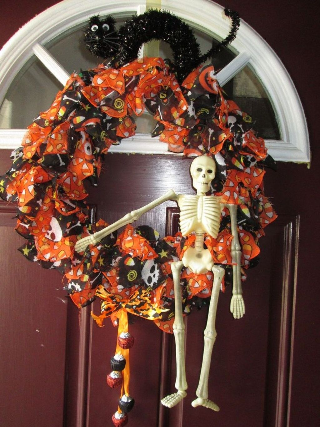 Cozy Thanksgiving Front Door Decor Ideas18