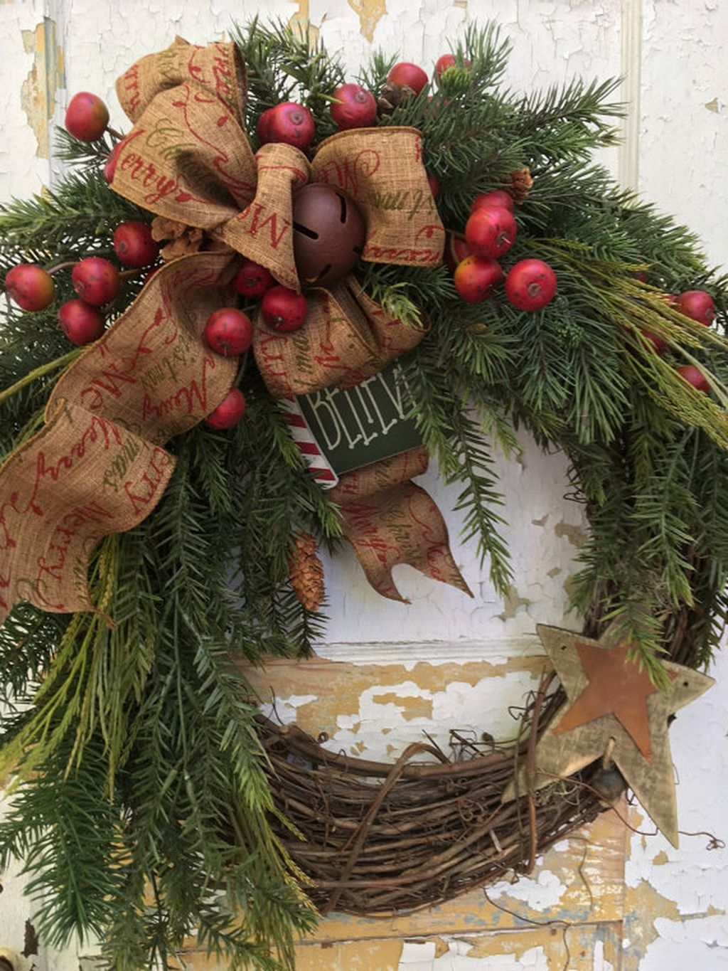 Eye Catching Rustic Christmas Decoration Ideas To Jazz Up Your Home 13