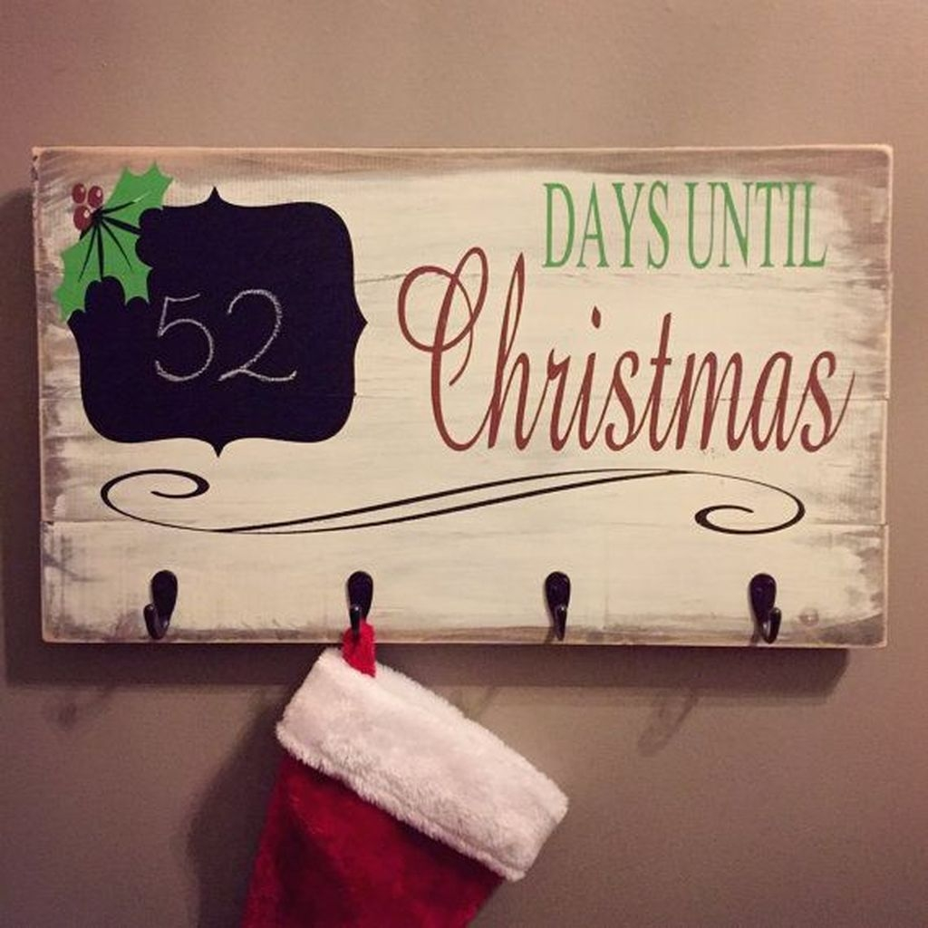 Eye Catching Rustic Christmas Decoration Ideas To Jazz Up Your Home 31