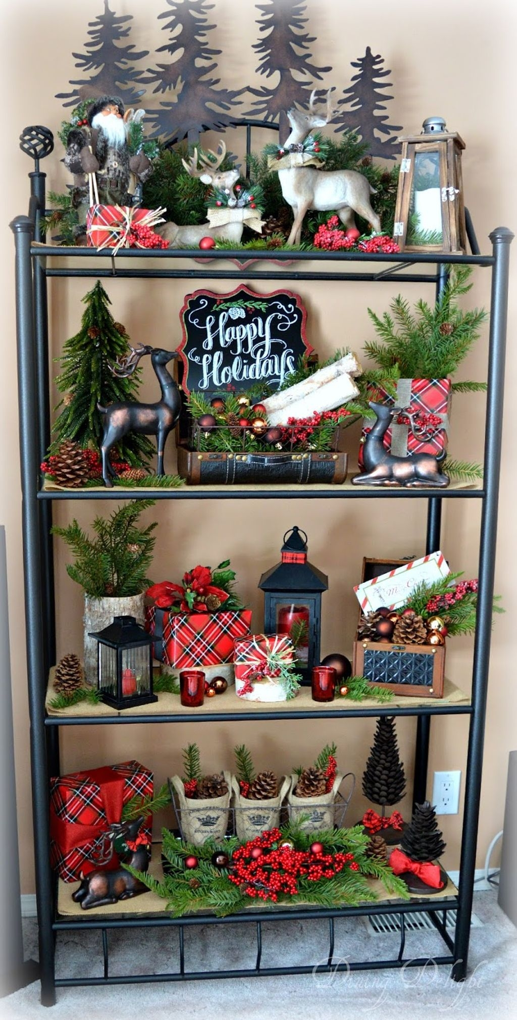 Eye Catching Rustic Christmas Decoration Ideas To Jazz Up Your Home 42
